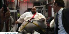 تاجر مخدرات يخضع للمحاكمة في سيارة إسعاف بأميركا بسبب وزنه . صور