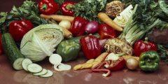 طبيب روسي شهير، يكشف عن سبعة منتجات غذائية تساهم في إطالة عمر الإنسان.