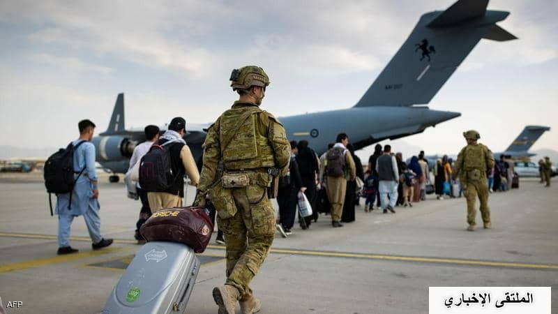 "واشنطن تحذر من ""تهديد محدد وموثوق"" قرب مطار كابل"